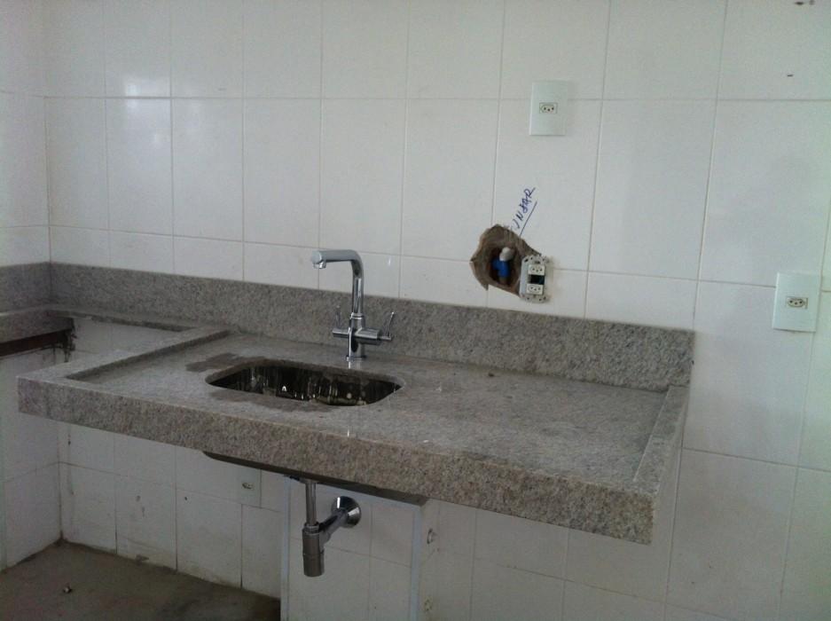 em obras  Casa da Caubi  Part 2 -> Pia Banheiro Altura Padrao