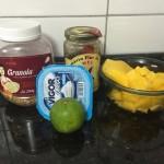 Parfait de frutas com iogurte