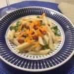 Receita do dia: Macarrão com brócolis, cenoura e bacon