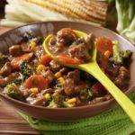 Bases para sopa: caldo de carne e legumes