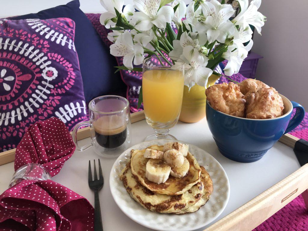 Café da manhã na cama durante a Quarentena