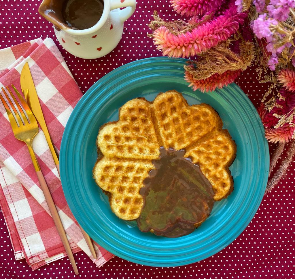 Como fazer waffles em casa doce