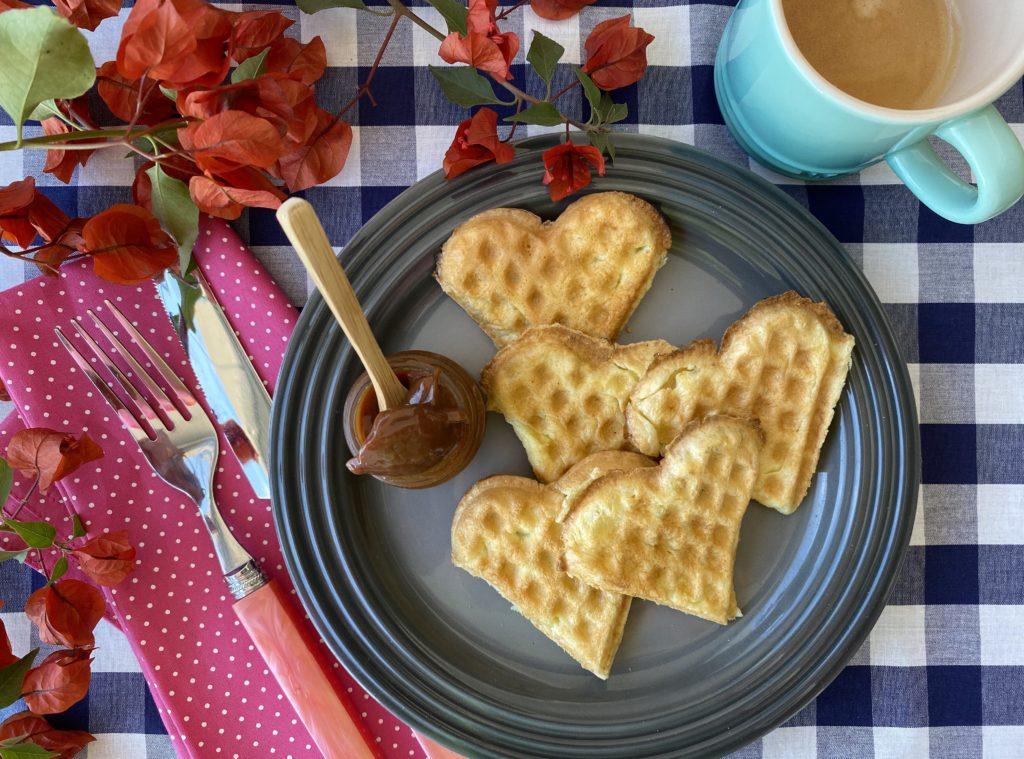 Como fazer waffles em casa salgado